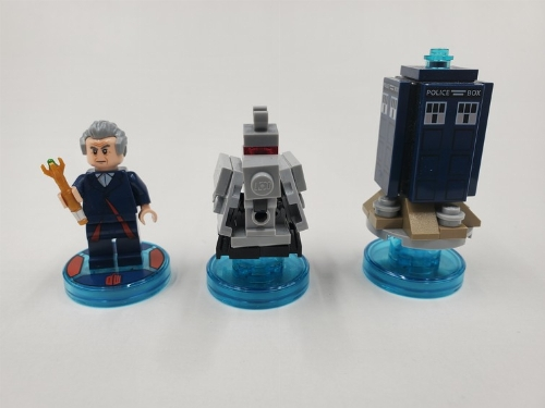 The Doctor + K-9 + Tardis (C)